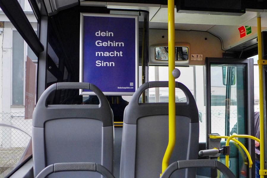 Plakat in Bussen der INVG Ingolstadt: dein Gehirn macht Sinn