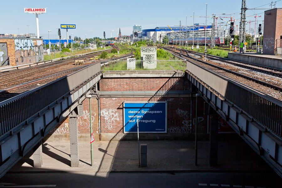 deine Synapsen warten auf Erregung (S-Bahnhof Ostbahnhof)
